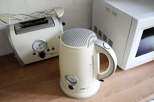 Retro Wasserkocher und Toaster