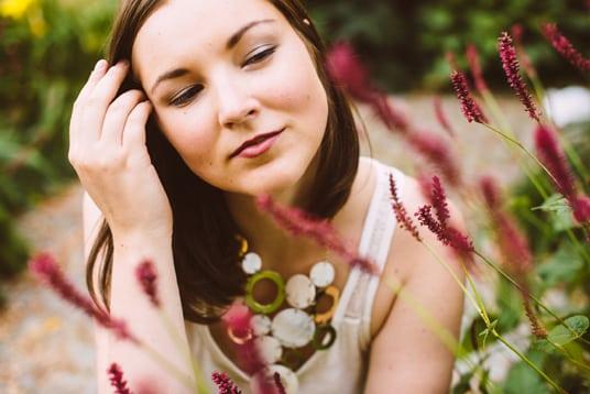 Getarnt in Blumen 3