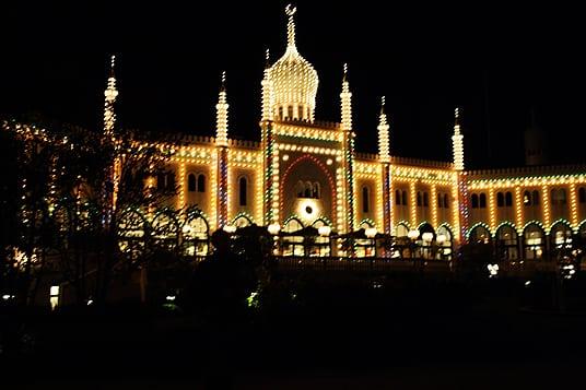 Kopenhagen Tivoli bei Nacht