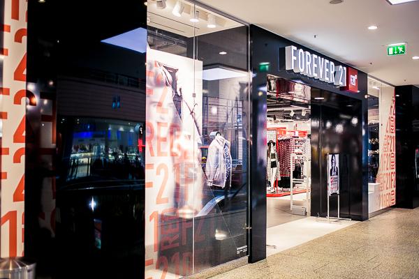Forever21 RED Potsdamer Platz Berlin außen