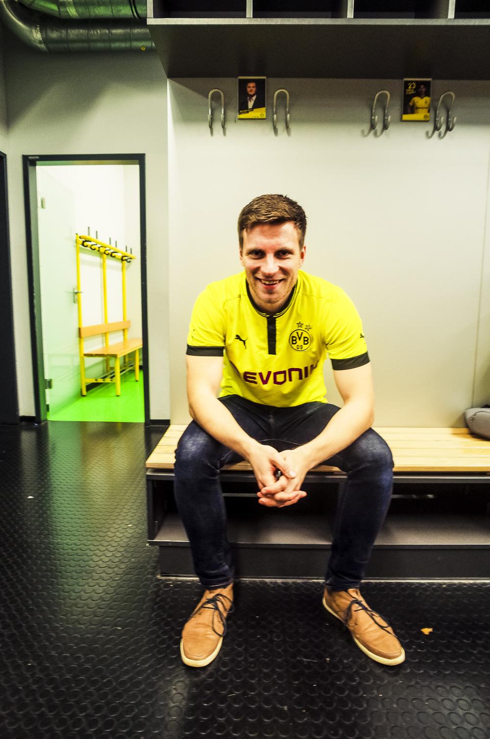 Private BVB Stadiontour im Signal Iduna Park in Dortmund Mannschaftskabine